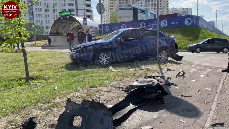 Неадекватний водій BMW насмерть збив бабусю та в'їхав у Chevrolet