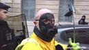 Y en a qui disent c'est pour le Macron Virus On risque quelquechose parce qu'on porte un masque