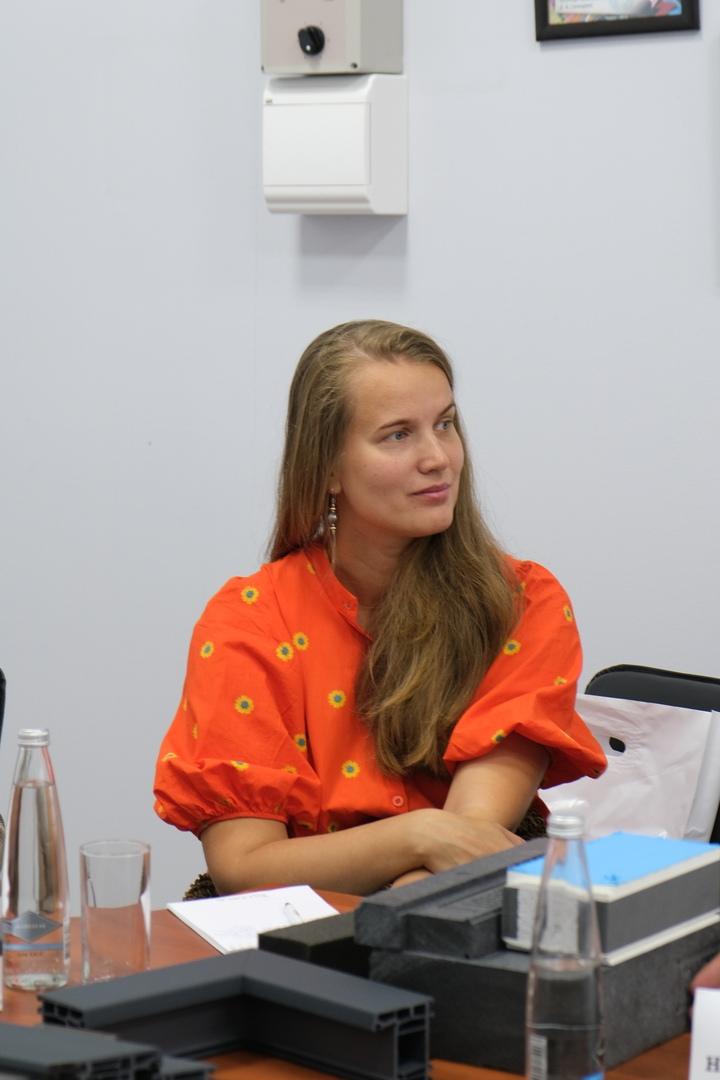 Специалисты VEKA представили архитекторам Томска серию новинок для индивидуального строительства, изображение №4